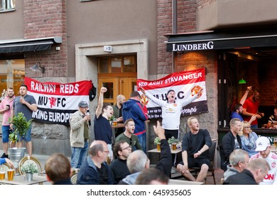 2017 may 23 - Manchester united supportes warming up at Rörstrandsgatan in Stockholm. Tomorrow Manchester will play UEFA EUROPA LEAGUE FINAL 2017 against Ajax