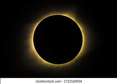 2017 total solar eclipse viewed from mainland US - solar flares visible