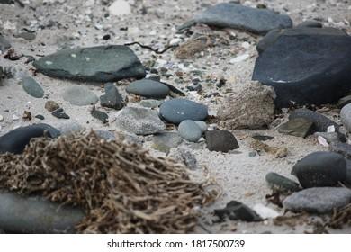 2017-02-23 ocean beach rocks falkland islands