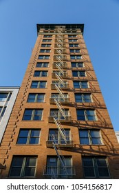 2018 feb 26, tall building in San Francisco