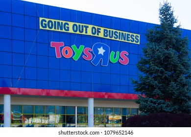 © 2018 Philip Meier Photographer,April 21, 2018 - Paramus, NJ, USA. Toys R Us retail outlet going out of business in New Jersey.