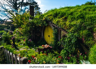 2019, February 18th, New Zealand, Matamata, Hobbiton movie set - Beautiful scenery of the garden and hobbit house (hole) in Shire. (Sam Home)