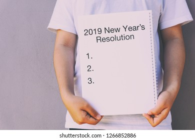 2019 New Year's Resolution on announcement memo