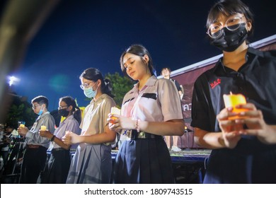 2020,September,5,Bangkok,Thailand, Many high school students gathered in front of the Ministry of Education and gave speeches to criticize Thai education and dictatorship regime of Thai government
