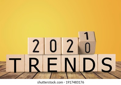2021 trends, wooden block with text on the desk.