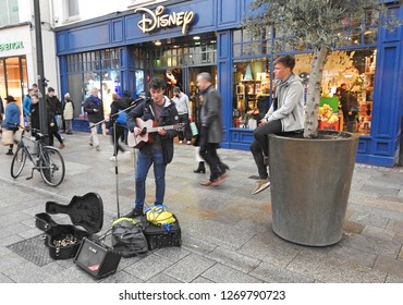 21st December 2018, Dublin. Busking on Grafton Street during Christmas period.