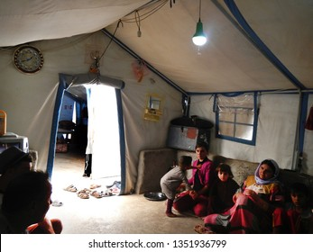 22.05.2017, Sheikhan Camp, Iraq.: Yazidi Family inside a Refugee tent in Northern Iraq close to Mossul fleeing the Islamic State