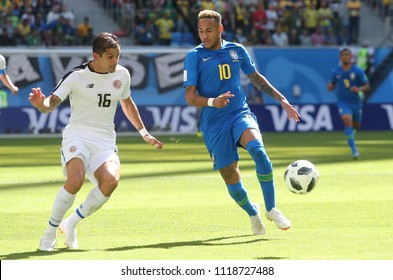 22.06.2018. Saint Petersburg, Russian: CRISTIAN GAMBOA, NEYMAR  in action during the Fifa World Cup Russia 2018, Group E, football match between BRAZIL V COSTARICA  in  Saint Petersburg Stadium.