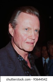 """22SEP97:  Actor JON VOIGHT at the premiere of his new movie,  Oliver Stone's """"U-Turn."""""""