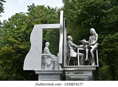 23 september 2018, The Hague, Netherlands. The Thorbecke Monument of Johan Rudolf Thorbecke is a monument composed of two touching parts that represent the 19th and 21st centuries.