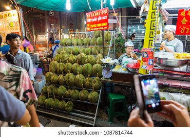 23.02.2018. Chinatown in Bangkok - hub of Chinese culture, Thailand at the evening.  Yaowarat Road. Tourists from all over the world on the streets. Famous tourist gastronomic destination.