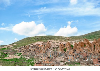 23/05/2019 View of Iranian ancient cave troglodyte village Kandovan in East Azerbaijan. Iran. Province near Tabriz city. looks like village in Turkey