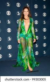23FEB2000: Pop star/actress JENNIFER LOPEZ at the 42nd Annual Grammy Awards in Los Angeles.  Paul Smith / Featureflash