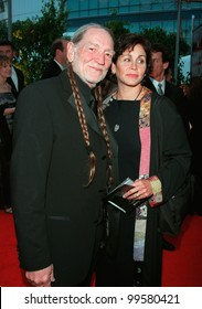 23FEB2000: Singer WILLIE NELSON & wife ANNIE at the 42nd Annual Grammy Awards in Los Angeles.  Paul Smith / Featureflash