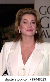 23JAN2000:  Actress CATHERINE DENEUVE at the Golden Globe Awards in Beverly Hills.  Paul Smith / Featureflash