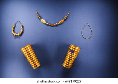 24 MARCH 2017, VIENNA, MUSEUM OF NATURAL HISTORY, AUSTRIA: Exhibition of Egyptian ancient jewelry bracelets and necklaces of gold, treasures of the pharaoh
