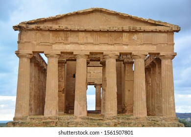The 2,400 year old Temple of Concordia, one of the best preserved Ancient Greek Temples at Agrigento, The Valley of the Temples, Sicily