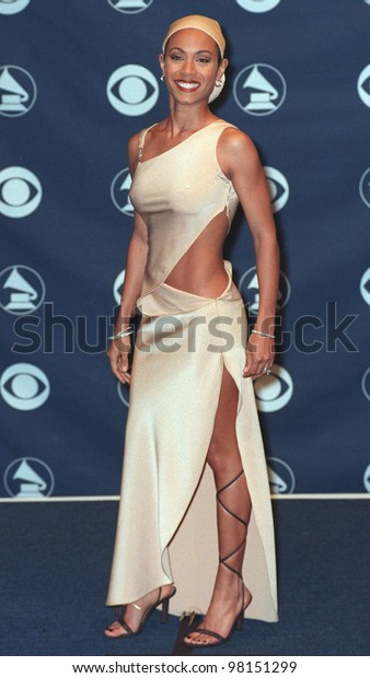 24FEB99: Actress JADA PINKETT SMITH at the 41st Annual Grammy Awards in Los Angeles.  Paul Smith / Featureflash