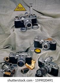 25 Mar 2009 pioneer Worlds First 35mm 24x36 size film interchangeable lance camera Leica Germany studio Shot Mumbai