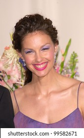 26MAR2000:  Actress ASHLEY JUDD at the 72nd Academy Awards.  Paul Smith / Featureflash