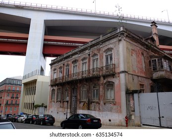 26th February 2017, House under the 25 de Abril Bridge