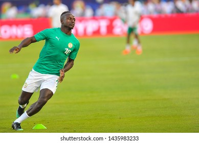 27 June 2019, Egypt, Cairo: Senegal's Sadio Mane warms up ahead of the 2019 Africa Cup of Nations Group C soccer match between Senegal and Algeria at the 30 June Stadium.