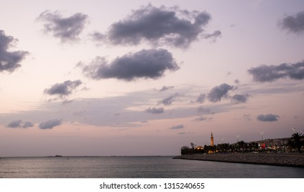 28 /10/ 2018: The weather in the UAE this week will be partly cloudy and dusty at times, with a chance of rainfall / Dark Cloudy Sunset at Corniche Abu Dhabi, UAE.  Credit: Fahd Khan/Alamy Live News