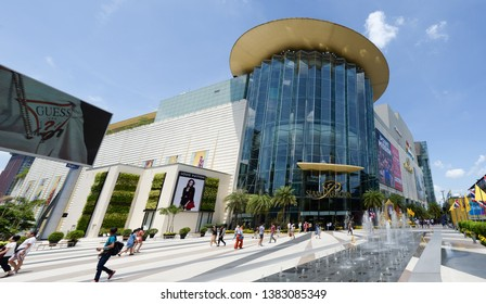 28 April 2019 : Panorama Siam Paragon Shopping mall at Bangkok, Thailand. Siam Paragon is the most famous shopping mall in the world. Destinations of shopper around the world.