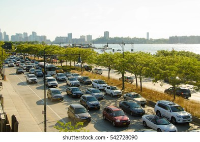 28 AUG 2016. Editorial photo. The view on the traffic jam in the Middletown of Manhattan and Hudson River during summer day. New York. USA