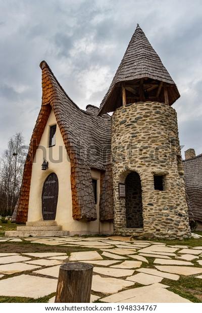 28032021-sibiu-romania-clay-castle-600w-