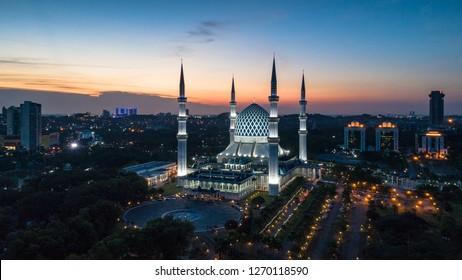 28th Dec 2018, Shah Alam, aerial view of Sultan Salahuddin Abdul Aziz Mosque during sunset