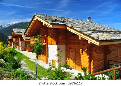 Log Cabin Build Images, Stock Photos & Vectors | Shutterstock