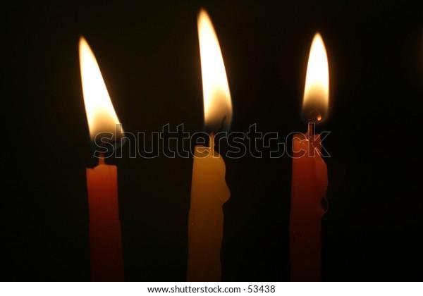 3 candles in the dark. macro.