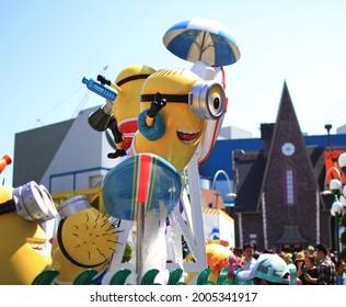 3 may 2019 : minion statue at universal studio japan