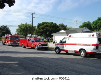 3 unit emergency residential medical response--fire truck, paramedic and ambulance (LA Co. Fire)