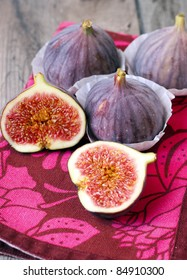 3 whole figs and 1 cut on half