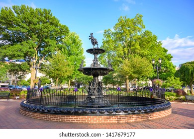 Park Fountain Images, Stock Photos & Vectors | Shutterstock