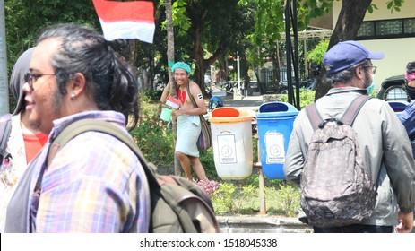 30 September 2019, Yogyakarta, Indonesia: Oration by a student called Gejayan Memanggil