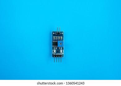 3.3-5V Rain Raindrops Detection Sensor Weather Humidity Module For arduino