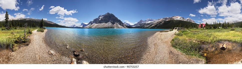 360 Degree View of Bow Lake, Banff National Park, Alberta, Canada.