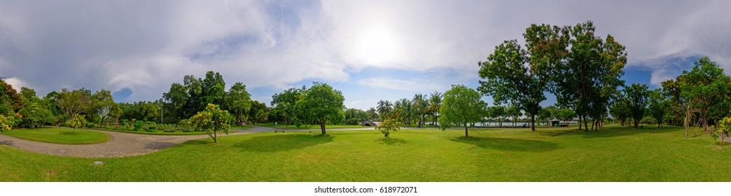 360 Panorama of public park