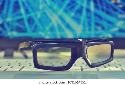 3d glasses on a laptop technology