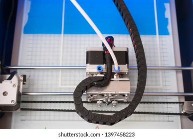 3D printer for printing using the FDM method using ABS or PLA filament