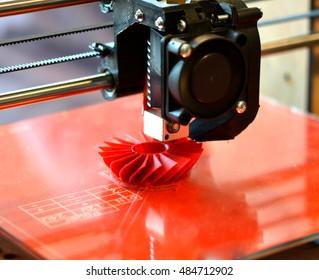 3D printer prints red form