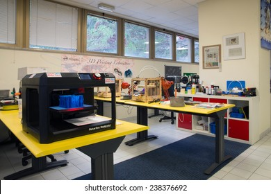 3D Printing - The italian scientific FabLab -The Science Dissemination Unit (SDU) of the ICTP) in Trieste, Italy was established on August 12, 2014.