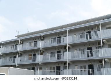 3rd floor apartment image