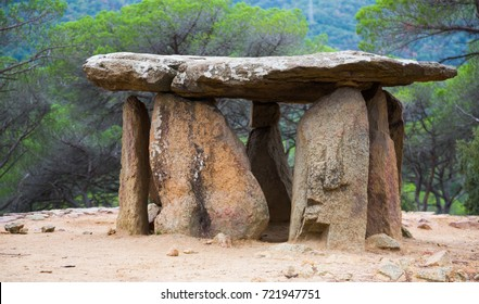 4000 years old Pedra Gentil dolmen in Catalonia