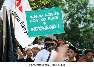4/11/2016 Muslim Demonstrator gather in front of the Istana Negara ( presidential palaces ) demanding that Jakarta governor Basuki Tjahaja Purnama also known as Ahok to be arrested for blasphemy
