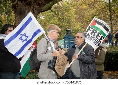4th November 2017, London, United Kingdom:-A pro Isreal and pro Palestine protester meet outside the US embassy in London