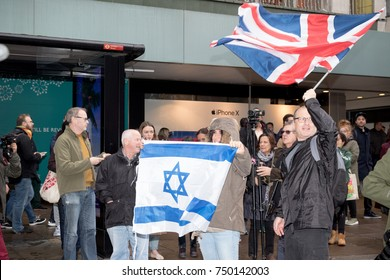 4th November 2017, London, United Kingdom:-Pro Isreali protesters counter demonstrate a pro Palestine rally in central London